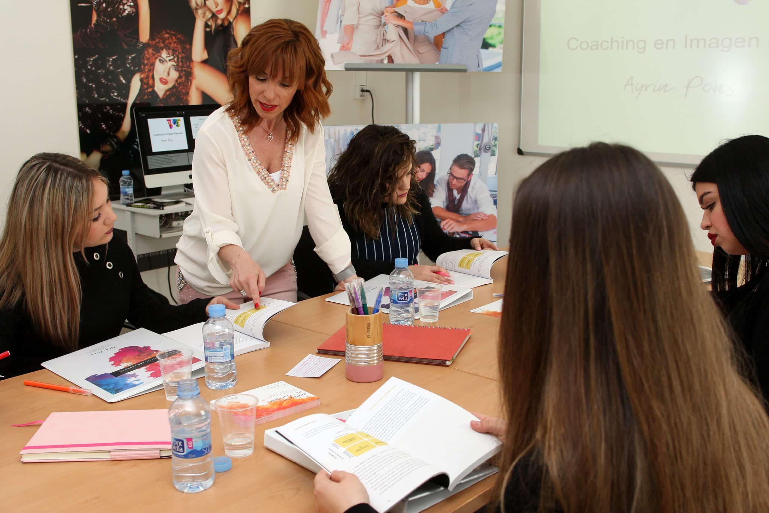 Ayrin Pons durante una sesión de Coaching en Imagen Personal. / Fotografía: Ignasi Paredes.