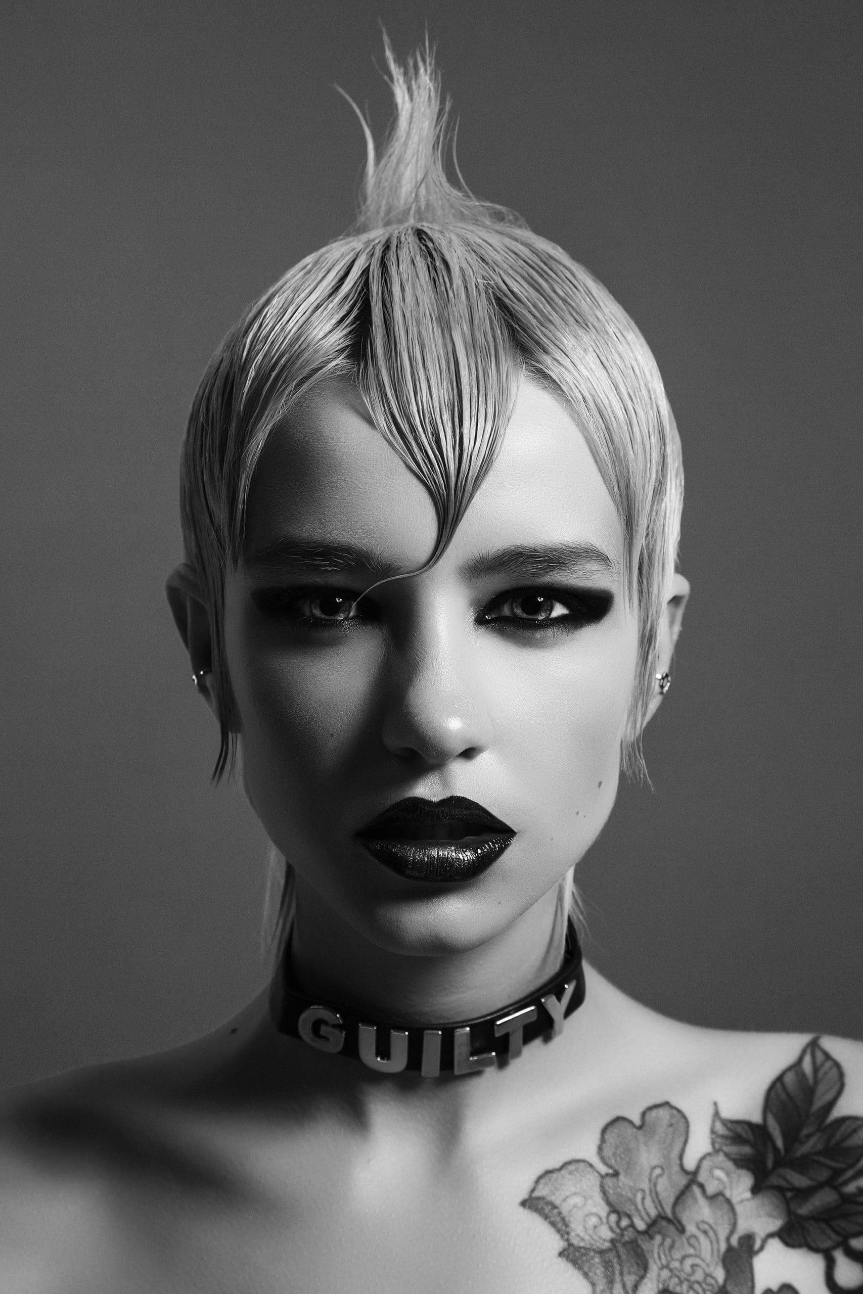 GUILTY @Salon Blue by Raquel Saiz 2 scaled