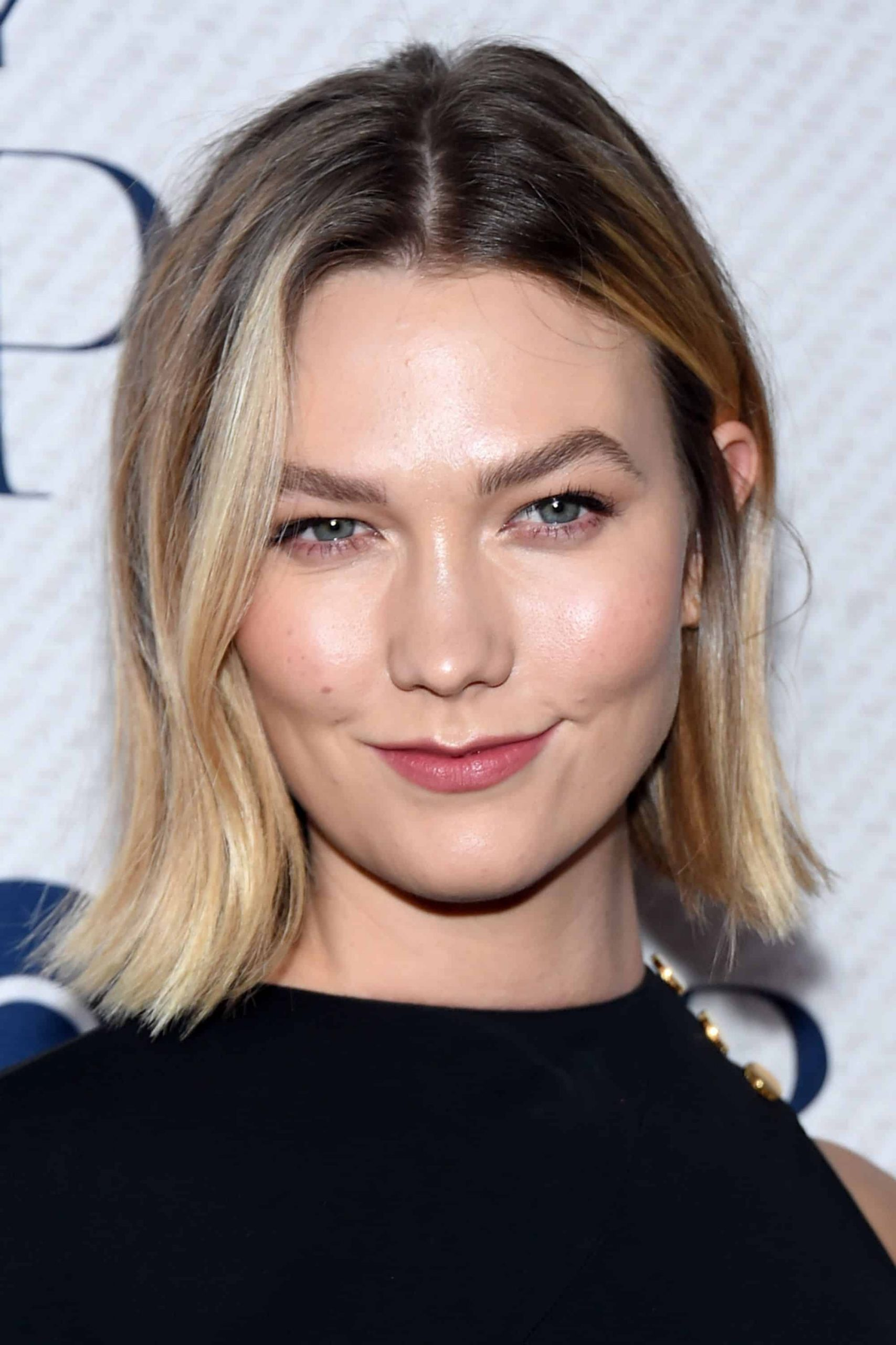 KARLIE KLOSS BLUNT CUT scaled
