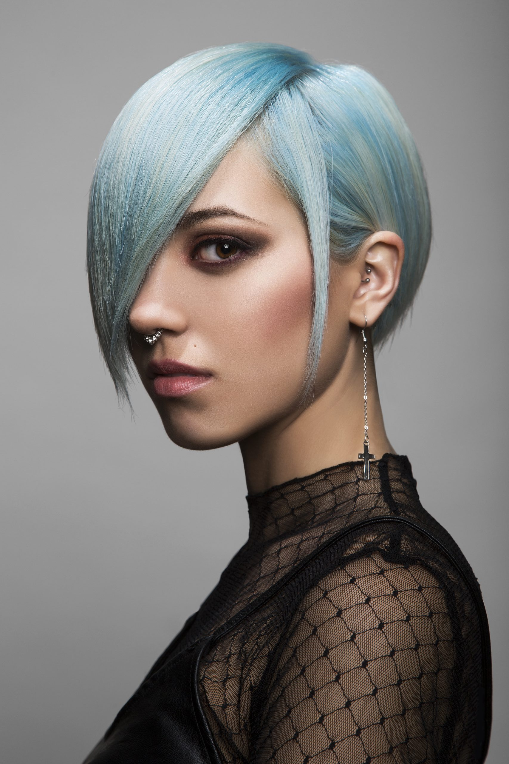 THUNDER Paula Alonso Salon Blue 1 scaled