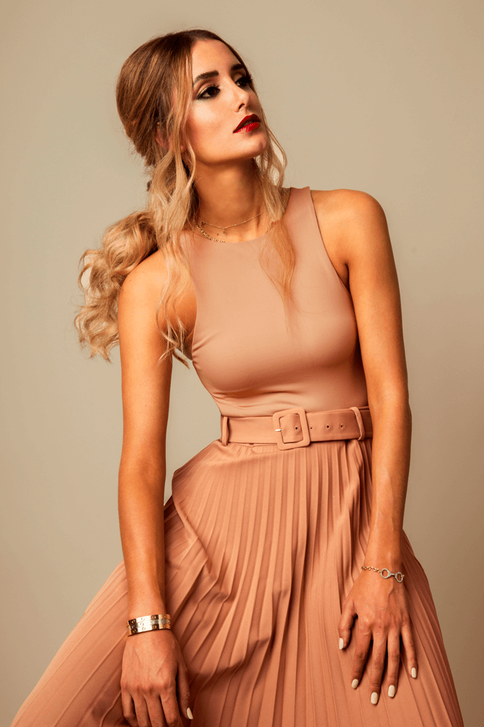 Messy Effortless Half Midi @Ivan Rodriguez 2