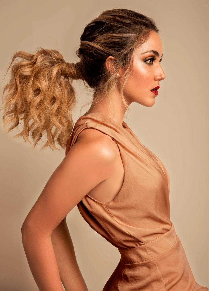 Messy Effortless Ponytail @Ivan Rodriguez 1