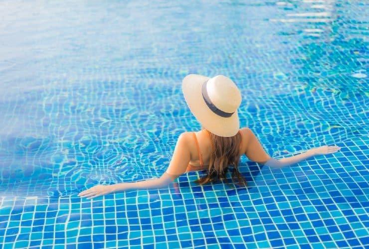 cómo proteger del sol el pelo teñido